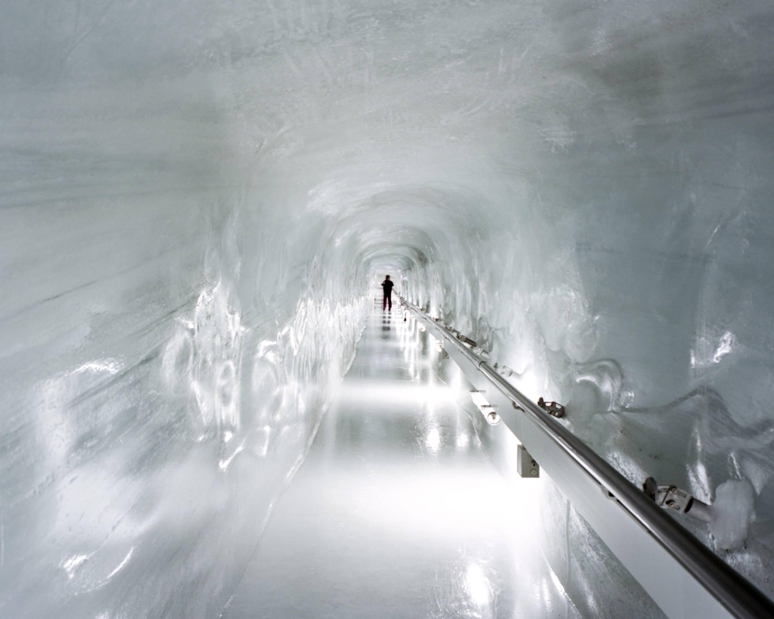 Ice Frozen 25002000 Wallpaper 2251011 2500x2000