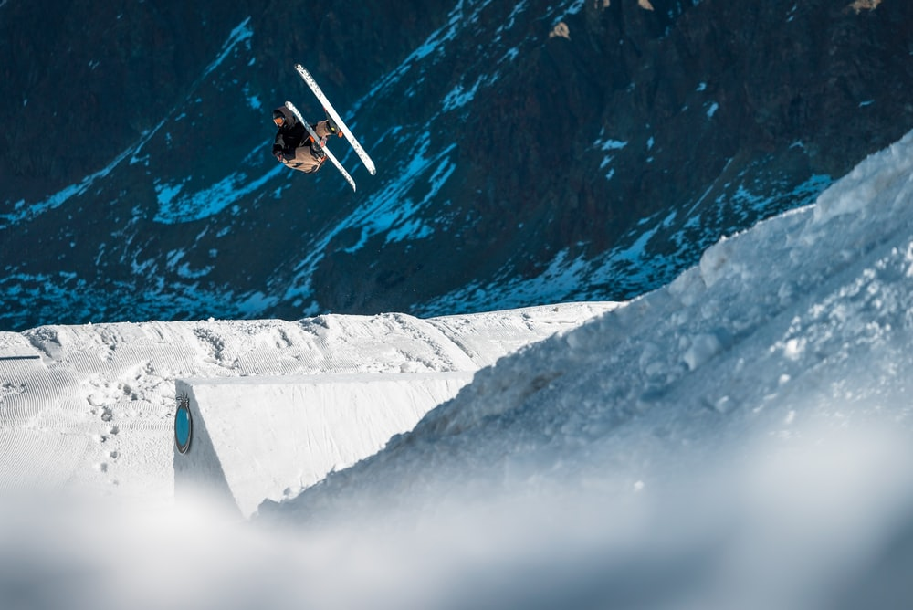 Freeskiing Pictures Download Images on Unsplash 1000x668