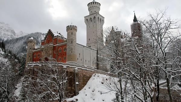 German Castle On The Rock   Wallpapers HD Download Desktop HD 600x338