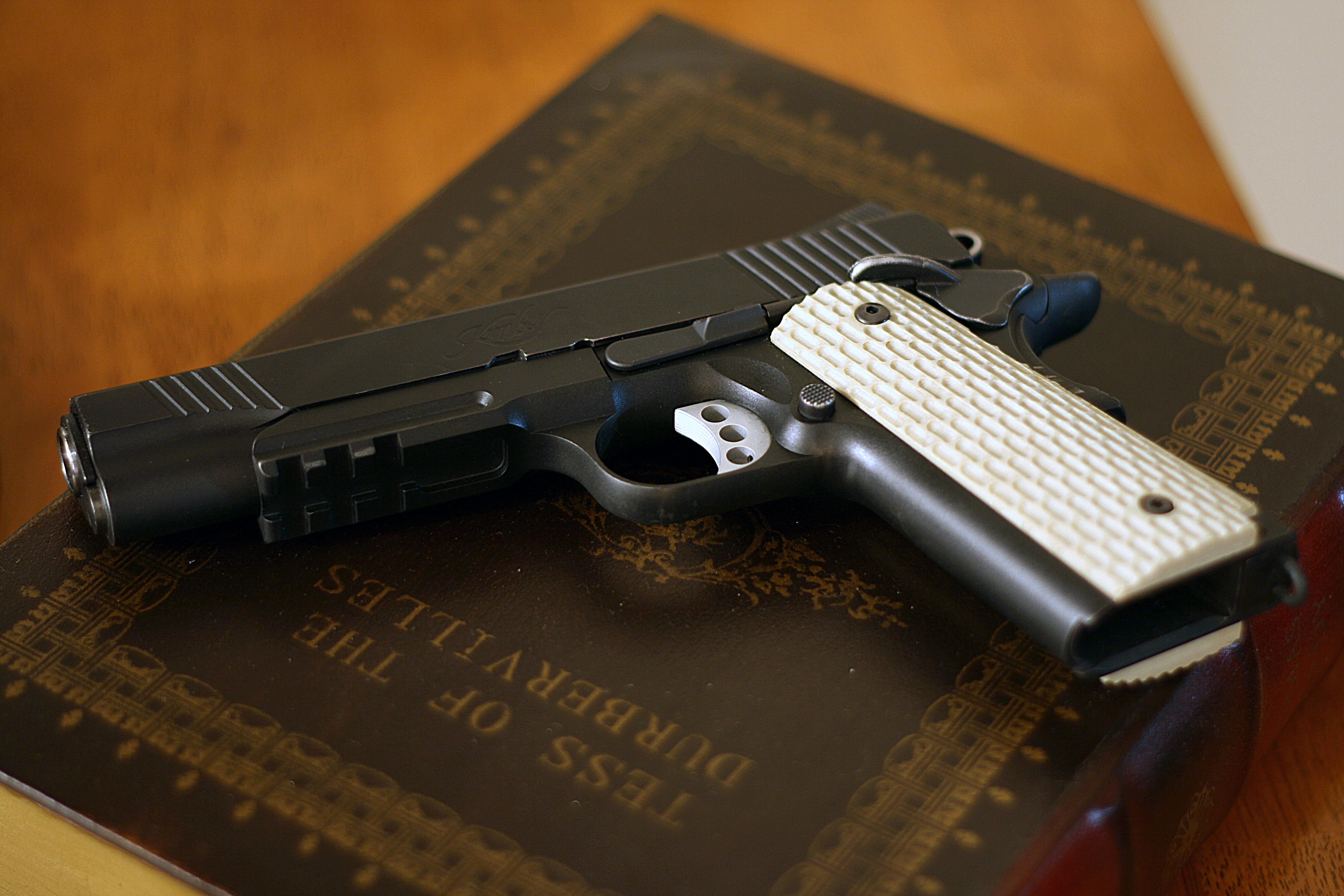 1911 Pistol Wallpaper 1 3888x2592