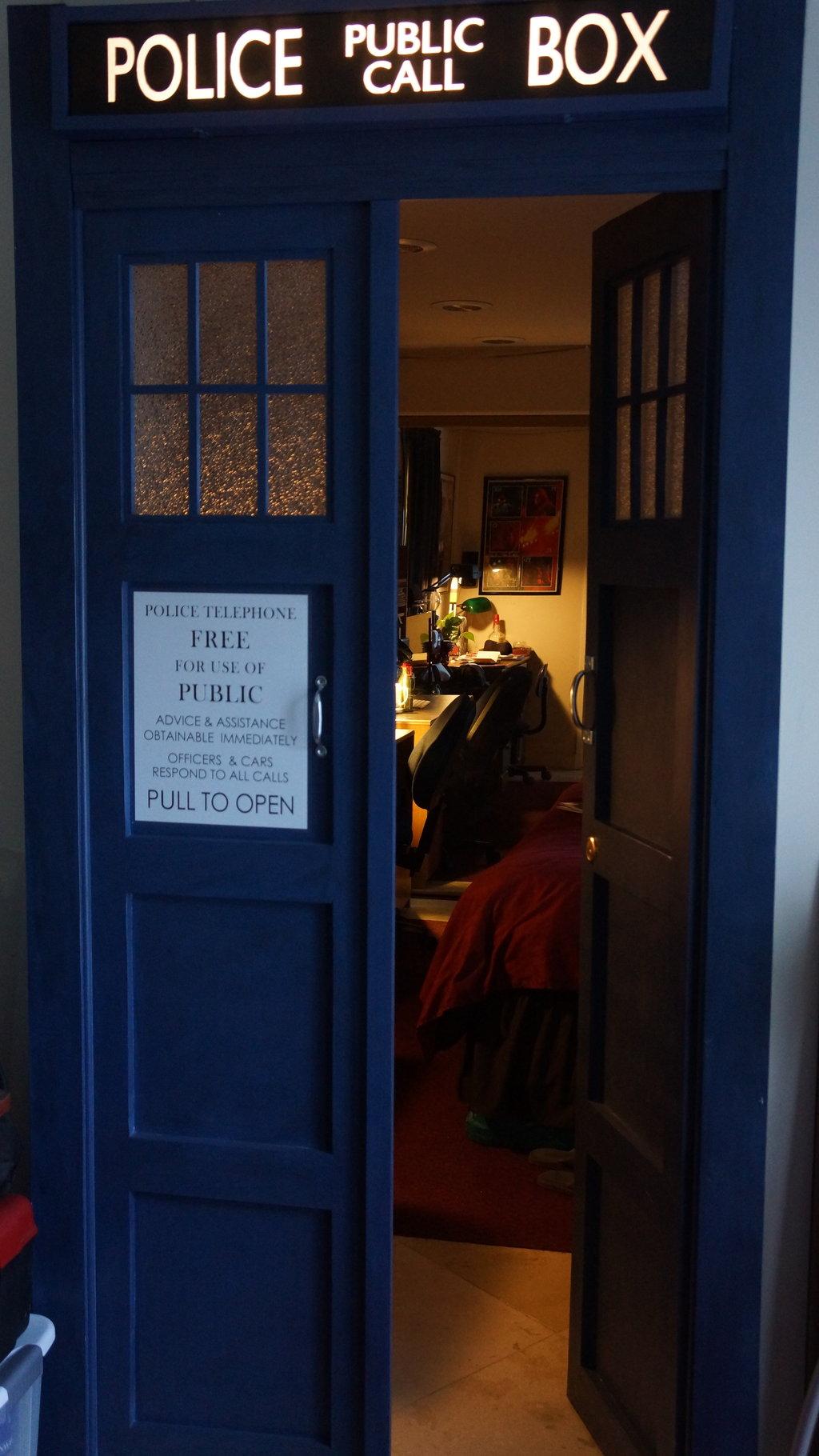 TARDIS BEDROOM DOOR By TheDaleoftheDead 1024x1820