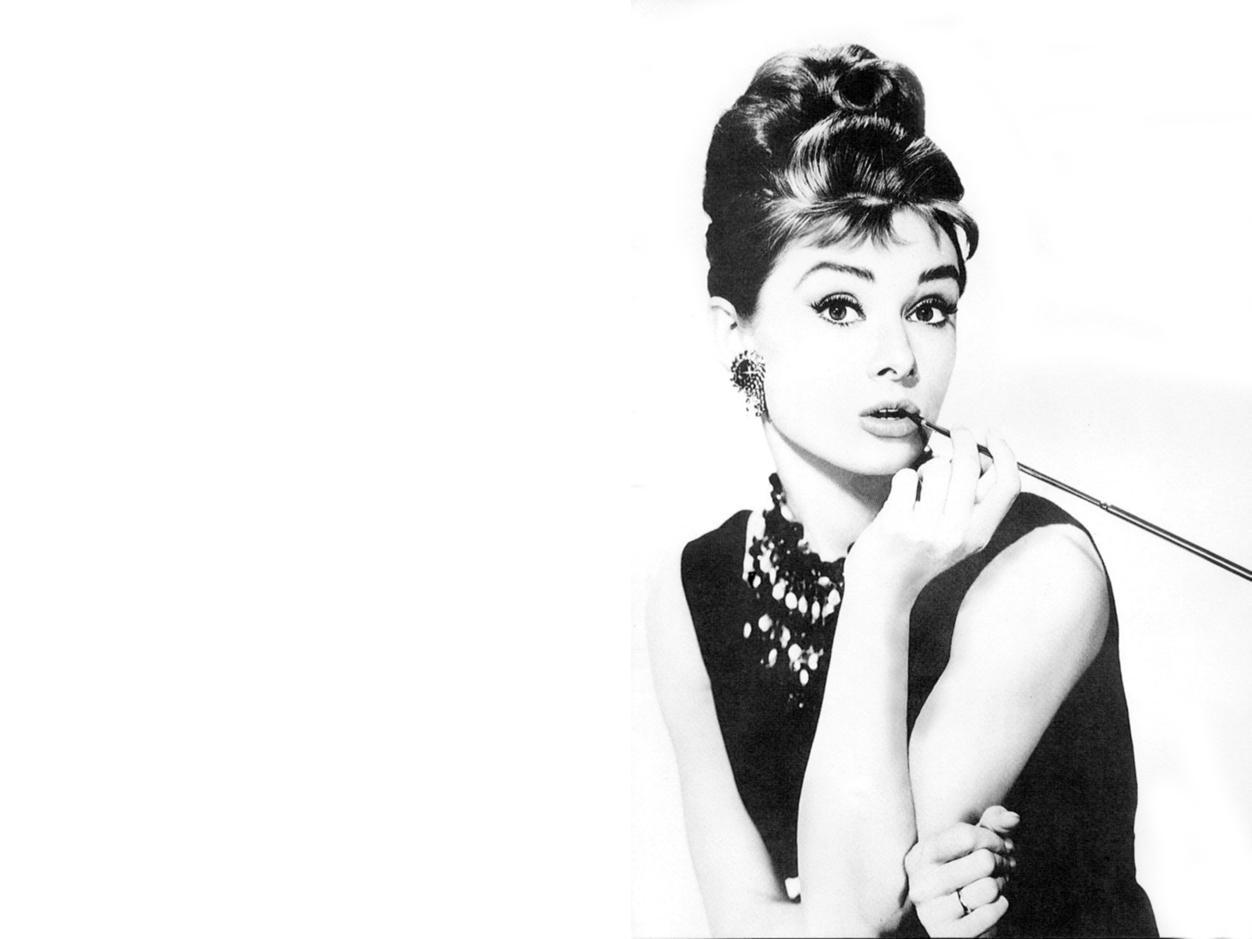 HD Audrey Hepburn Wallpapers 2560x1920