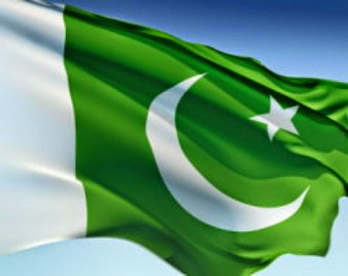 Beautiful Pakistani Flag Shine Wallpapers And Photos Special For 14 680x541