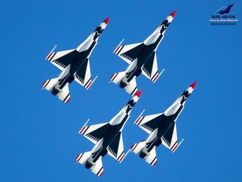 US Air Force Thunderbirds Wallpaper 500x375