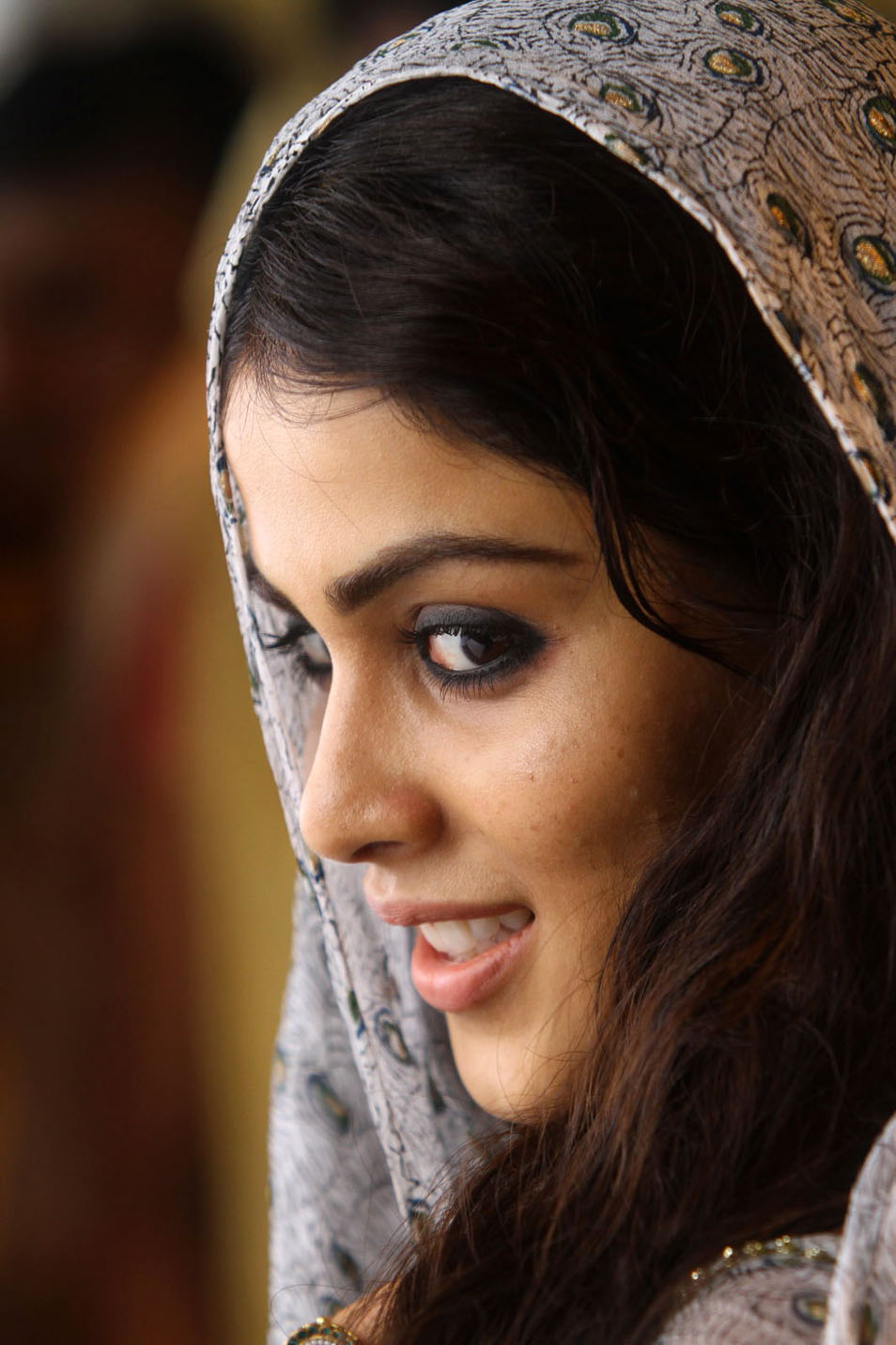 Genelia in Urumi Welcome to HelloTollycom Tollywood 954x1432