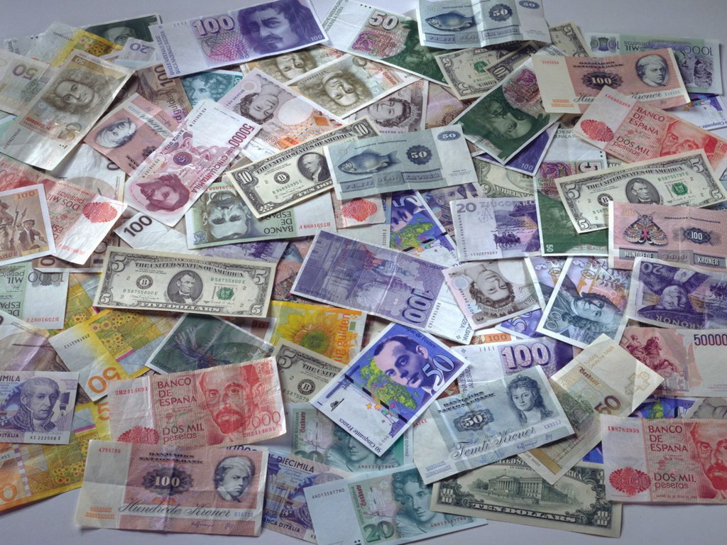 Various types of currency on the table   desktop wallpaper high 1024x768
