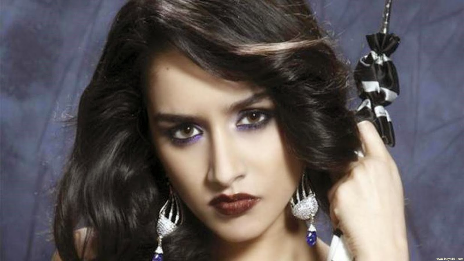 Shraddha Kapoors Angry look HD wallpaper Celebrity Hd Wallpapers 1600x900