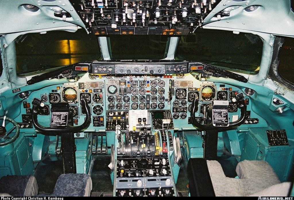 The cockpit of one of SAS last DC 9 41s Holger Viking was 1024x698