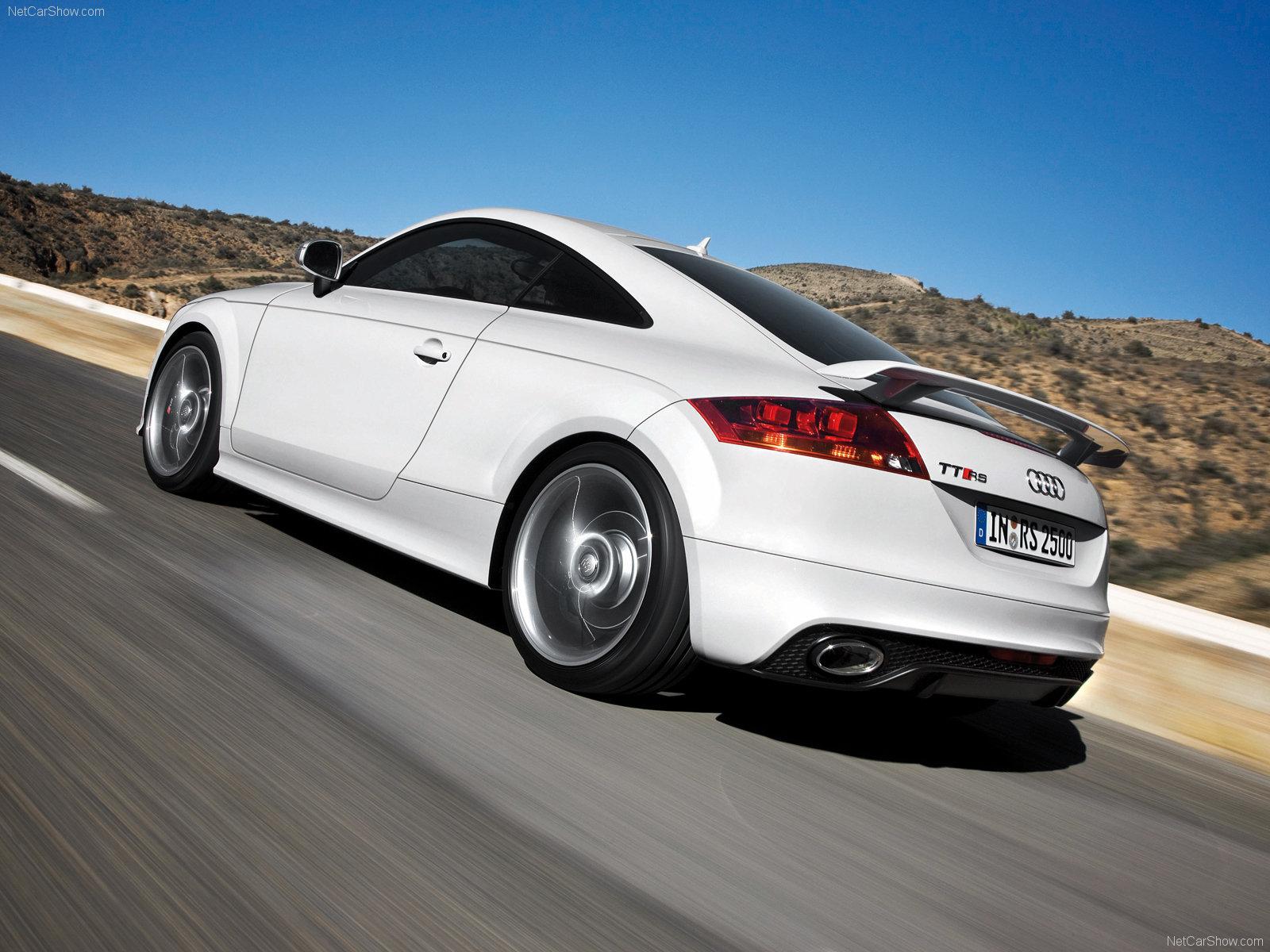 Audi TT RS Wallpapers HD Download 1600x1200