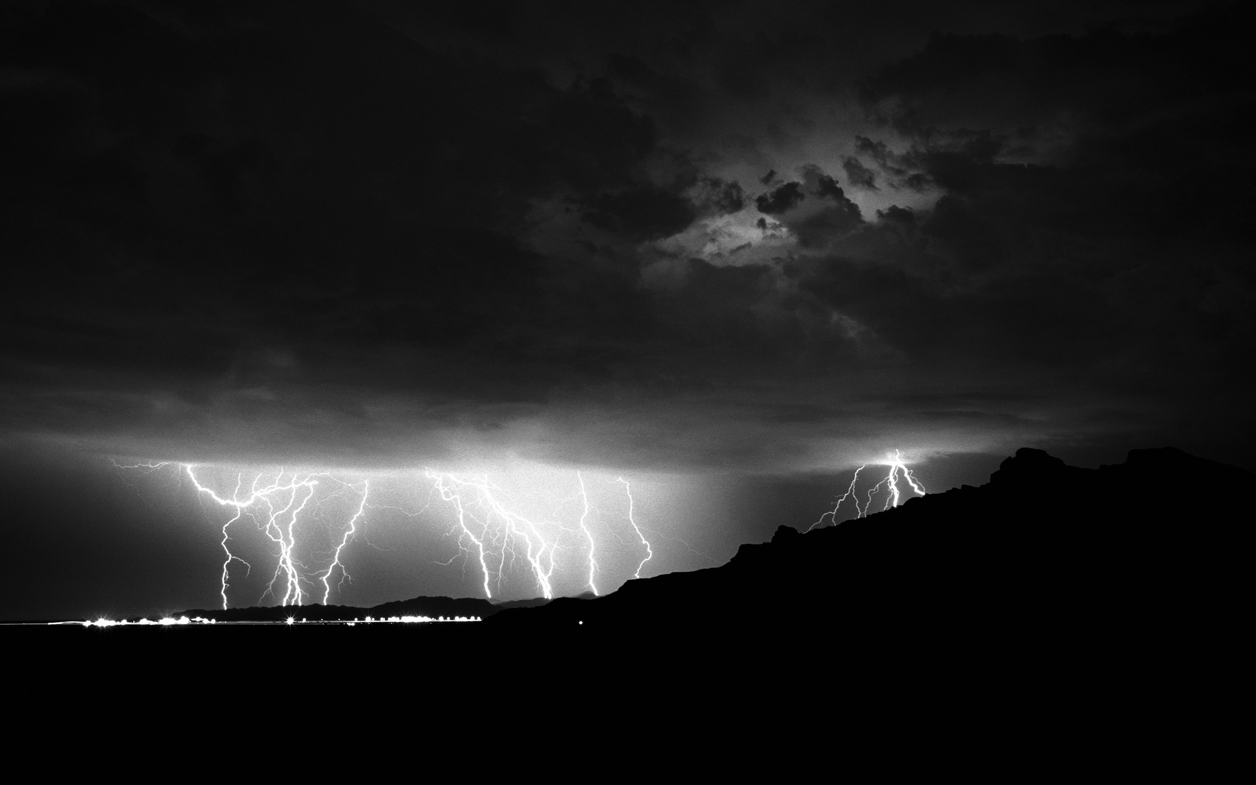 Black and White Lightning Wallpaper 2560x1600