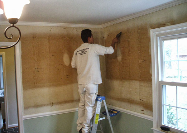 Fixing the Wall After Wallpaper Removal Home n Gardening Tips 600x427