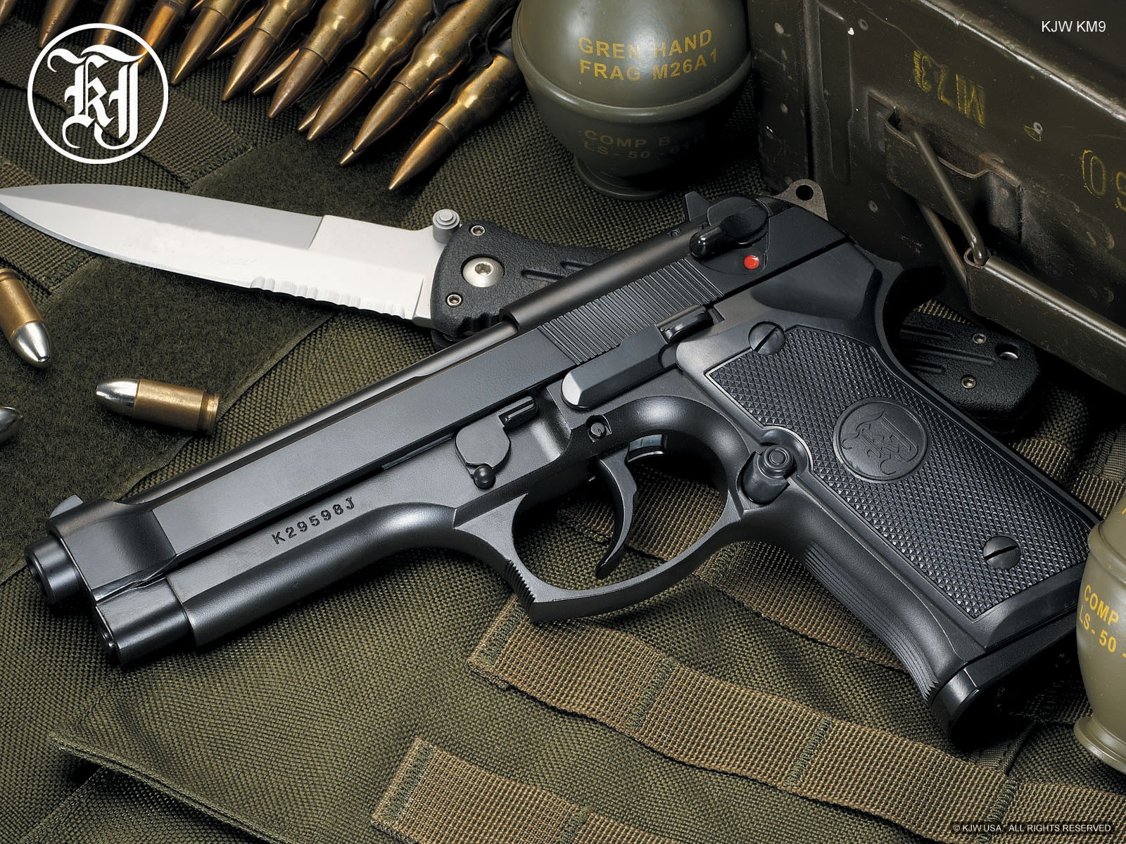 Pistols Guns Wallpaper 1600x1200 Pistols Guns Weapons Knives 1600x1200