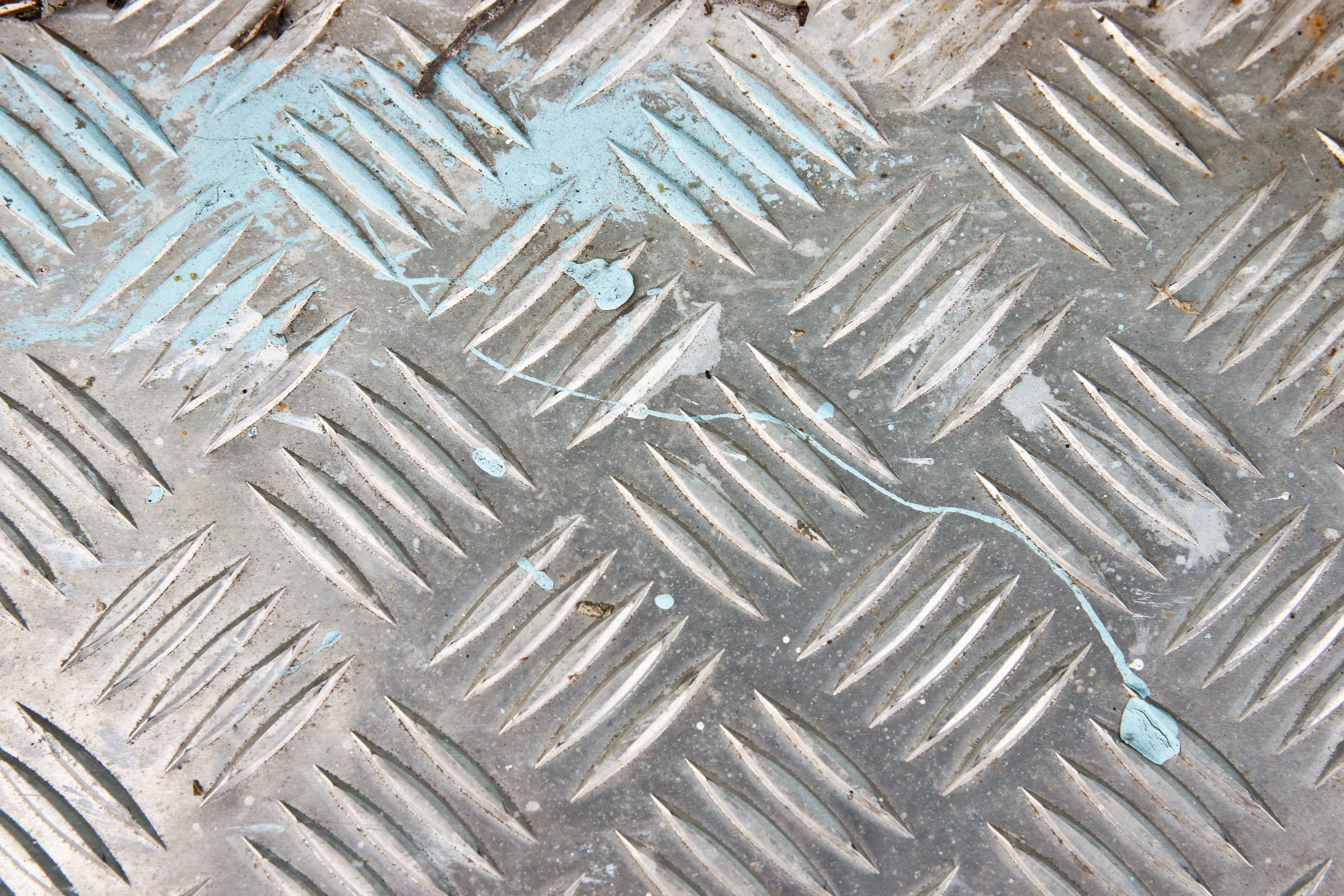 free textures photo of a diamond or tread plate metal background 9 6048x4032