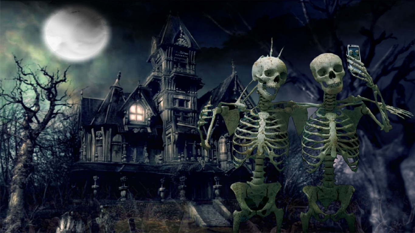 Haunted House With Skeletons HD Wallpaper Haunted HD Wallpaper 3D 1366x768
