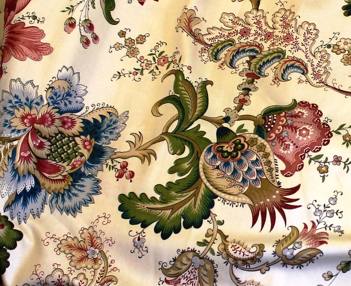 La Maison LaFortune Vintage Jacobean Floral Fabric 1444x1178