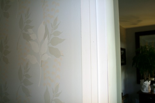 Preparing Walls Painting After Wallpaper Removal 500x333