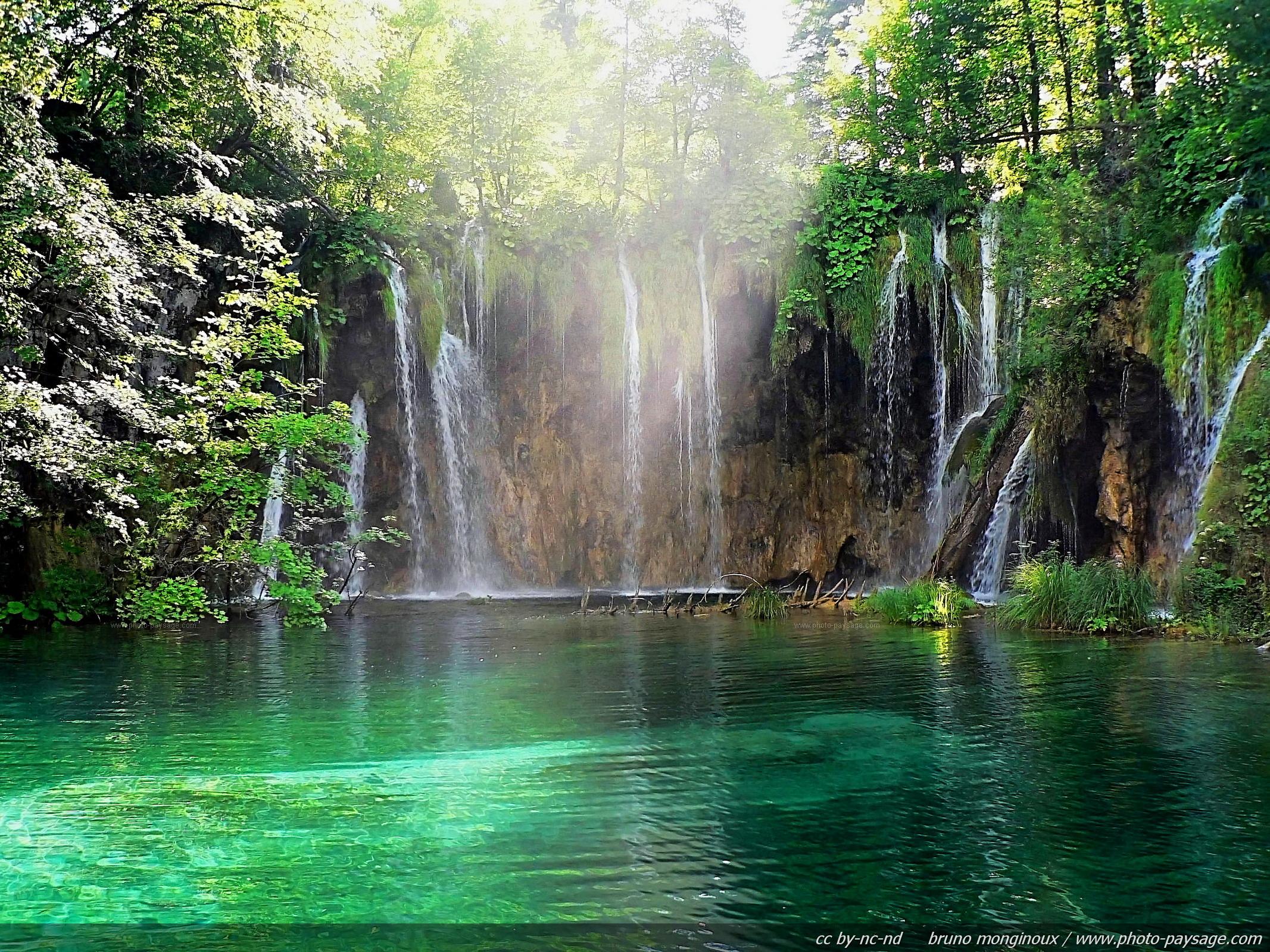 Beautiful Waterfall HD Wallpaper Nature Wallpapers 2133x1600