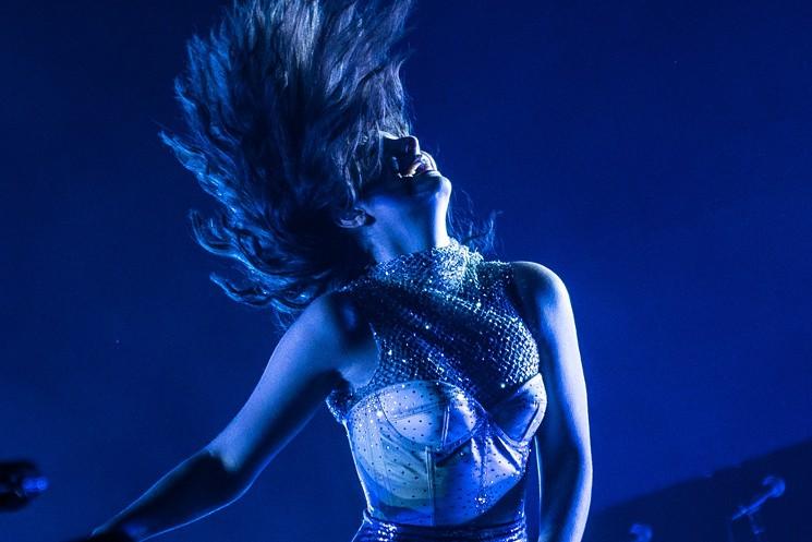 Lorde Concert Phoenix Gila River Arena March Phoenix New 745x497
