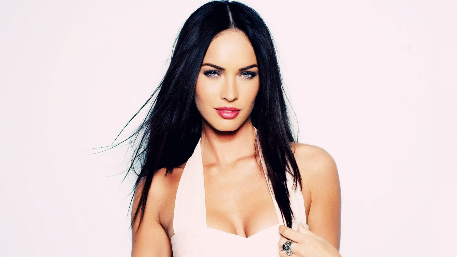 megan fox wallpaper megan fox9jpg 1600x900