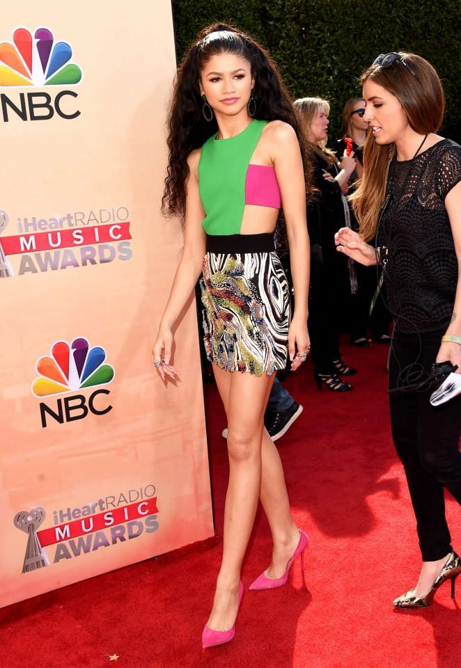 Zendaya 2015 iHeartRadio Music Awards  11   GotCeleb 662x960
