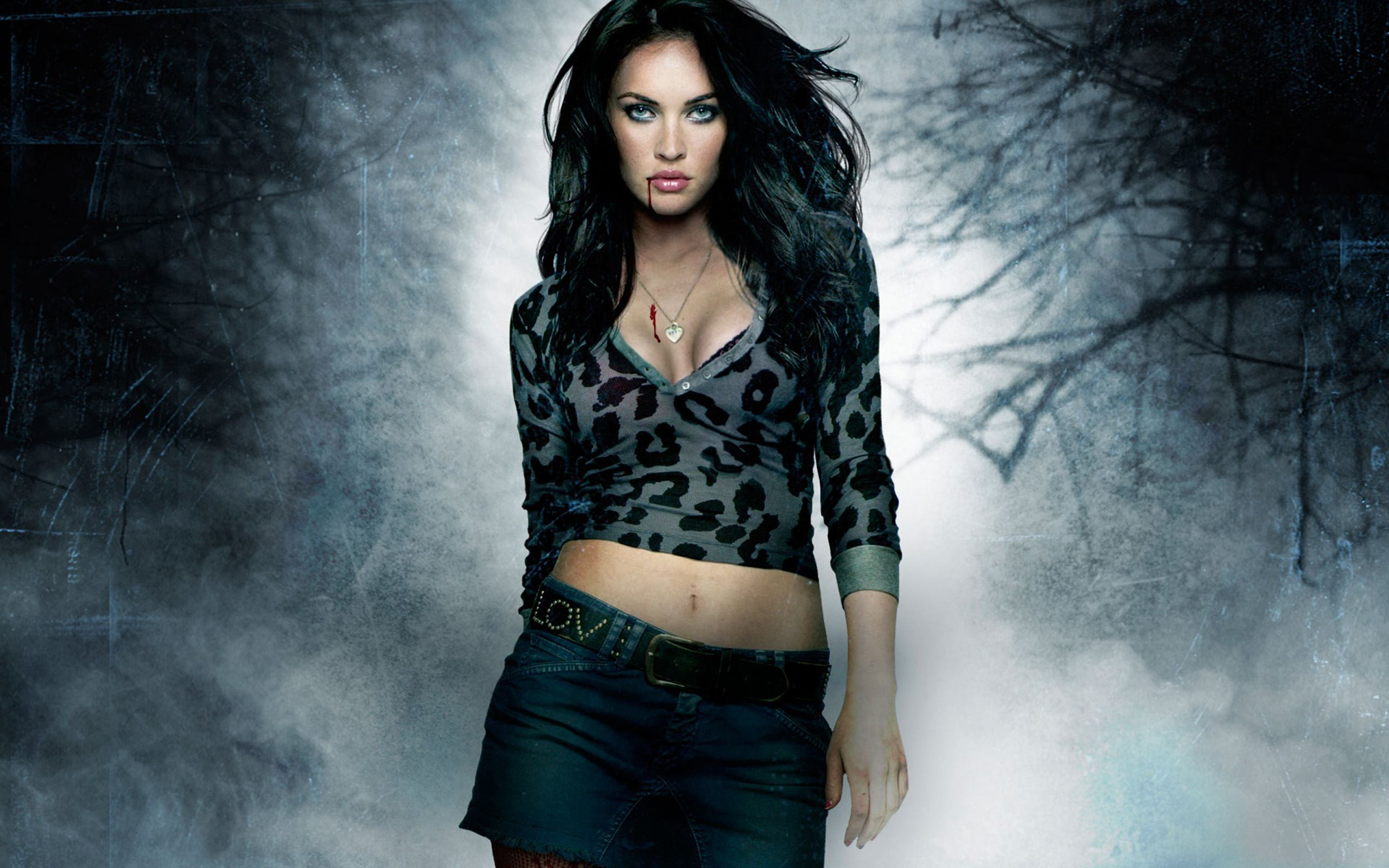 Megan Fox Latest Photoshoot in 2016 Daily Backgrounds in HD 2560x1600