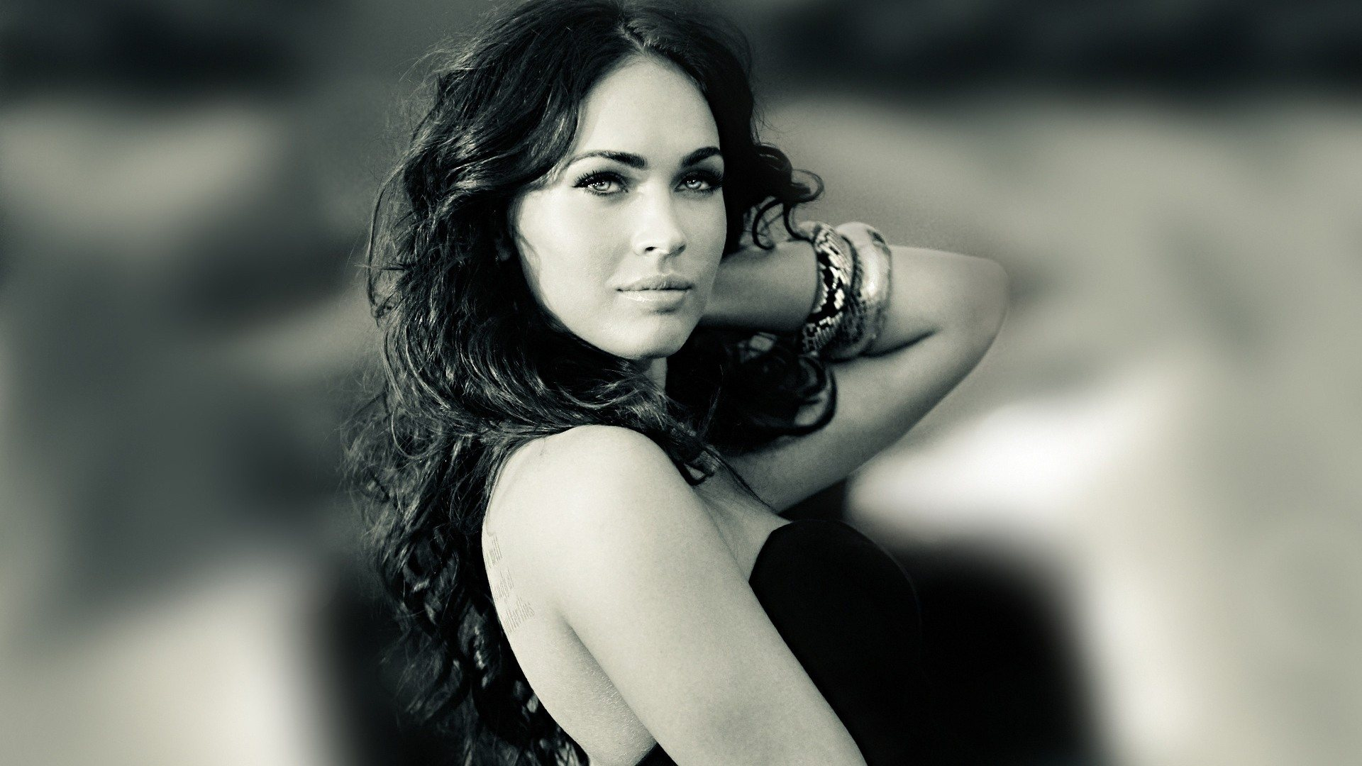 megan fox black and white wallpaper hot megan fox black 1920x1080