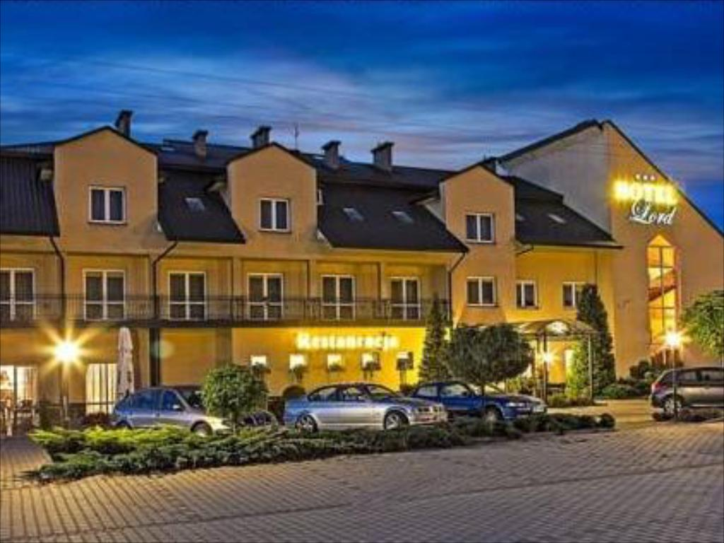 Hotel Lord in Debica   Room Deals Photos Reviews 1024x768