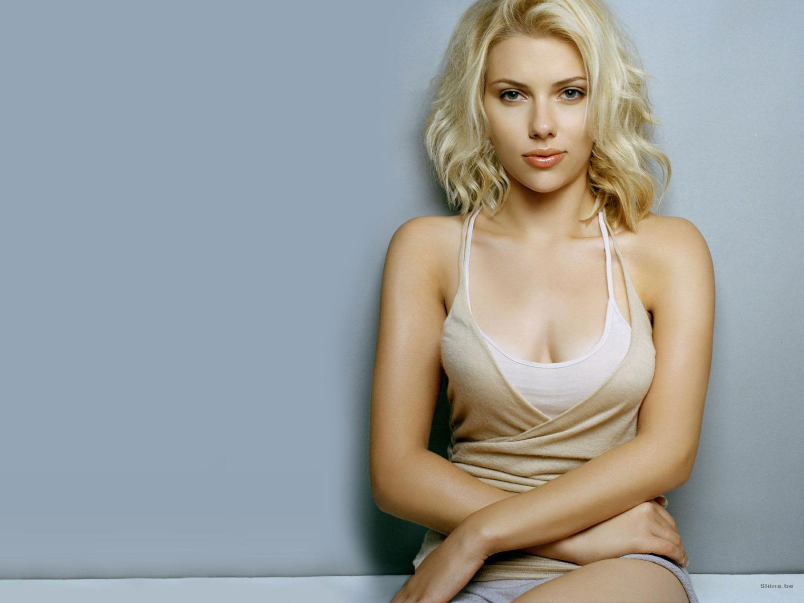 Scarlett Johansson HD Wallpapers and Background Images   Static 1600x1200