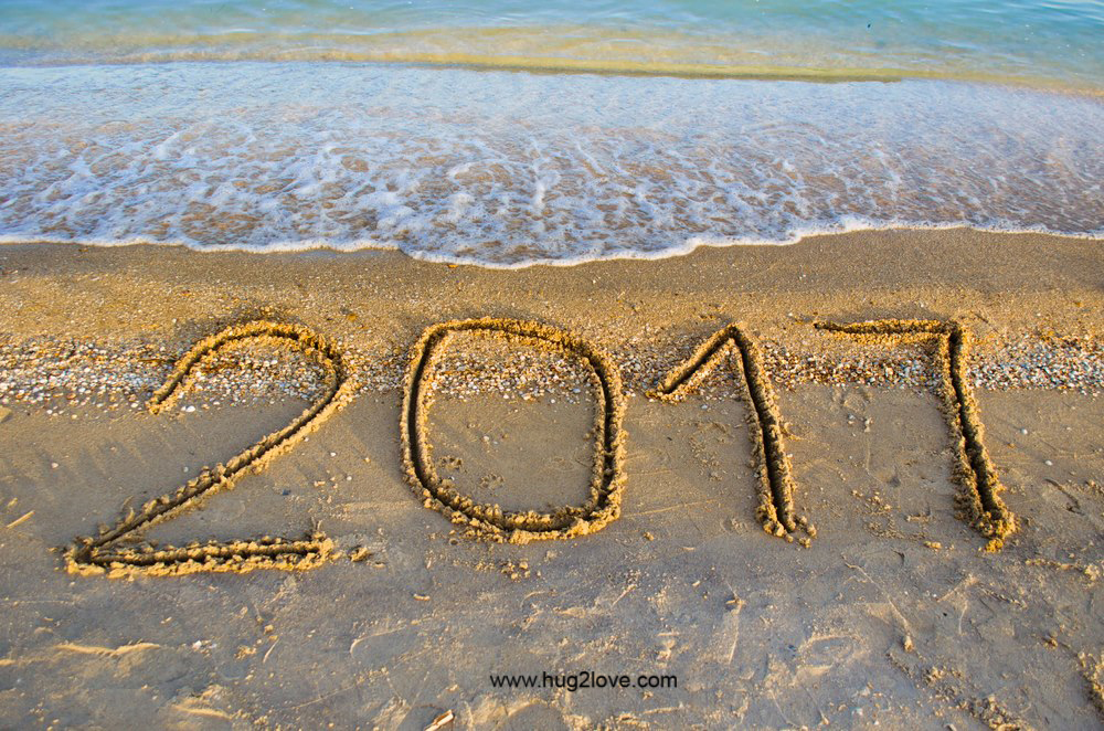 Happy New Year 015 Beach wallpaper 1000x662