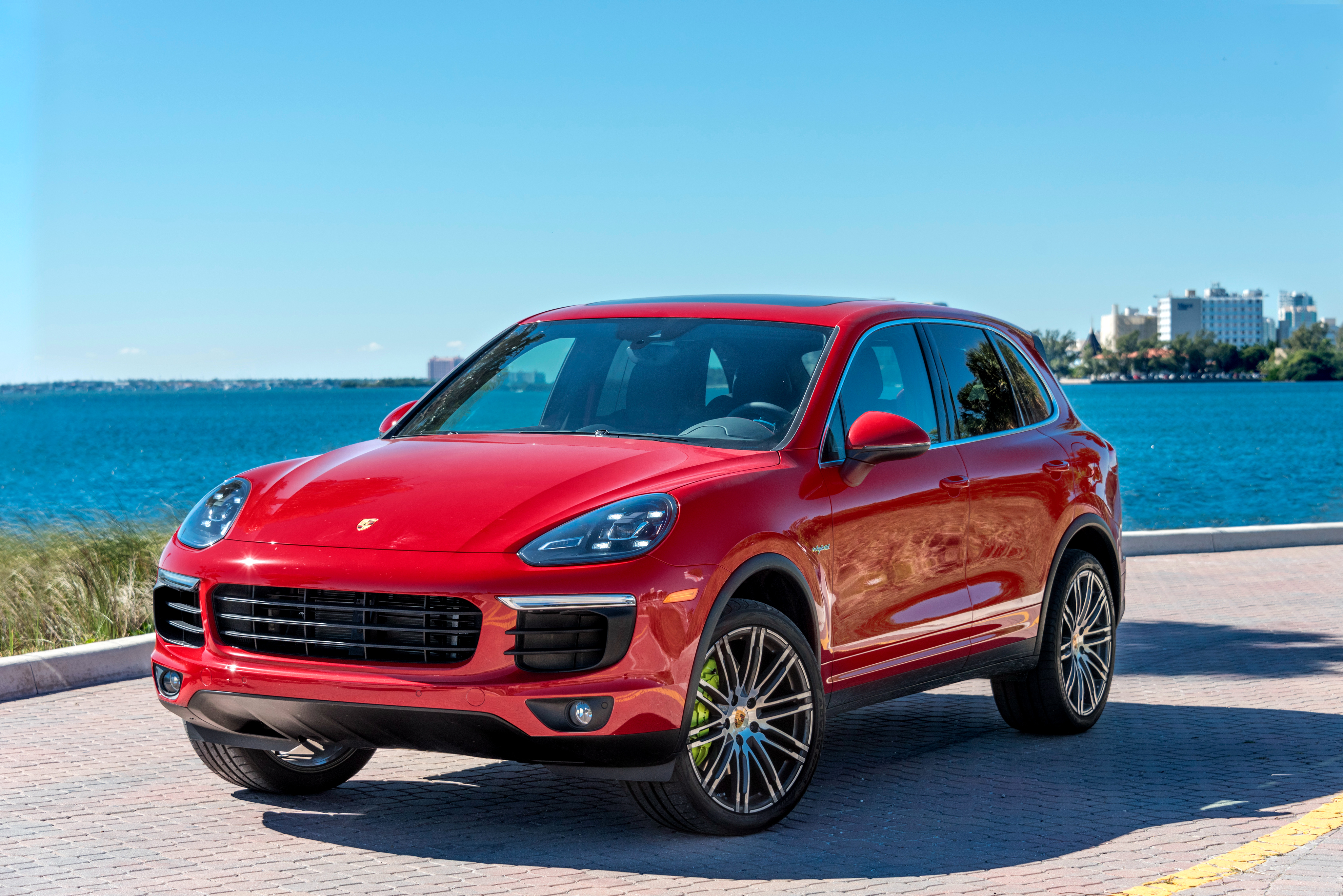 61 Porsche Cayenne HD Wallpapers Background Images 4096x2734