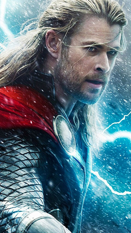 Chris Hemsworth In Thor 2 The Dark World Wallpaper 540x960