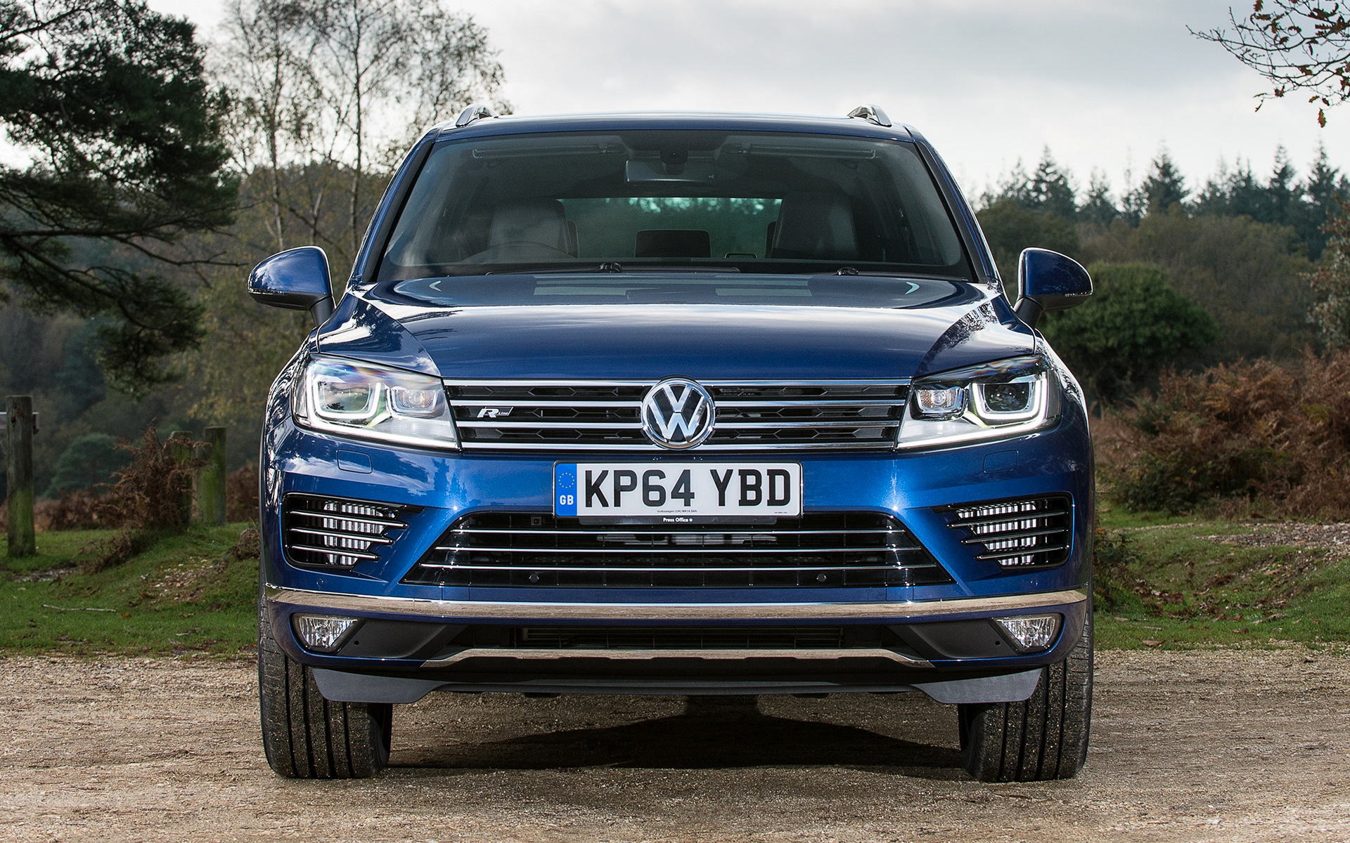 2014 Volkswagen Touareg R Line UK   Wallpapers and HD Images 1920x1200