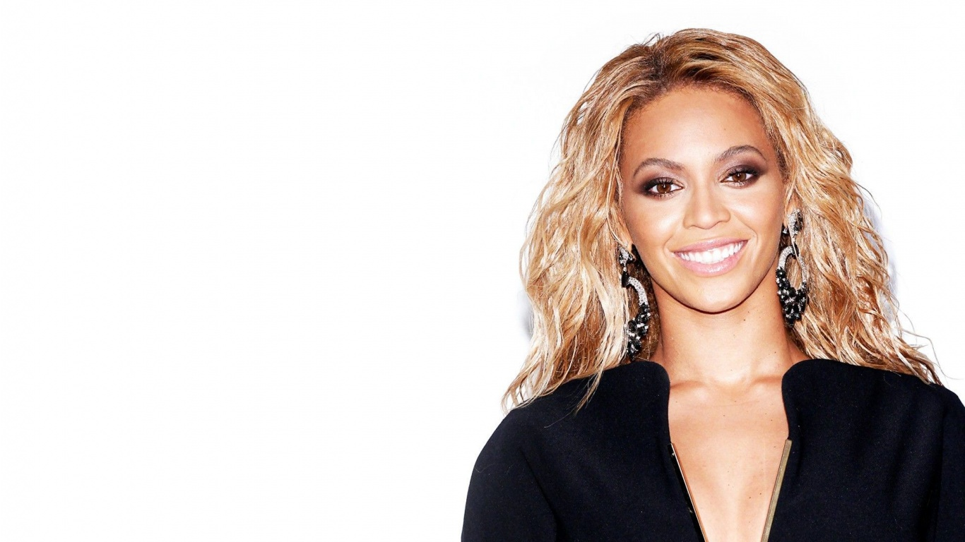 Beyonce Knowles Gergeous Face in 1366x768 Resolution 1366x768