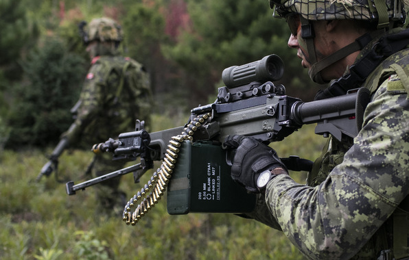 Canadian army soldiers weapons wallpapers photos pictures 596x380