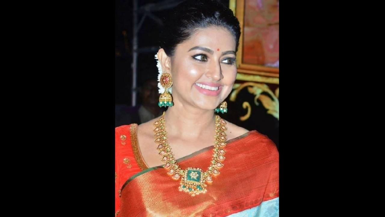 Actress Sneha Stills at Vinaya Vidheya Rama Pre ReleaseSneha HD 1280x720