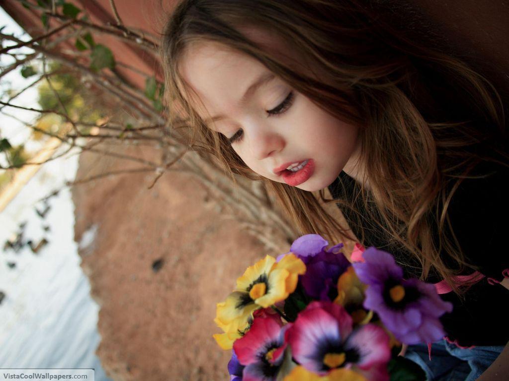 wallpaper cute baby girl 25096 hd wallpapers background   Magic4Walls 1024x768