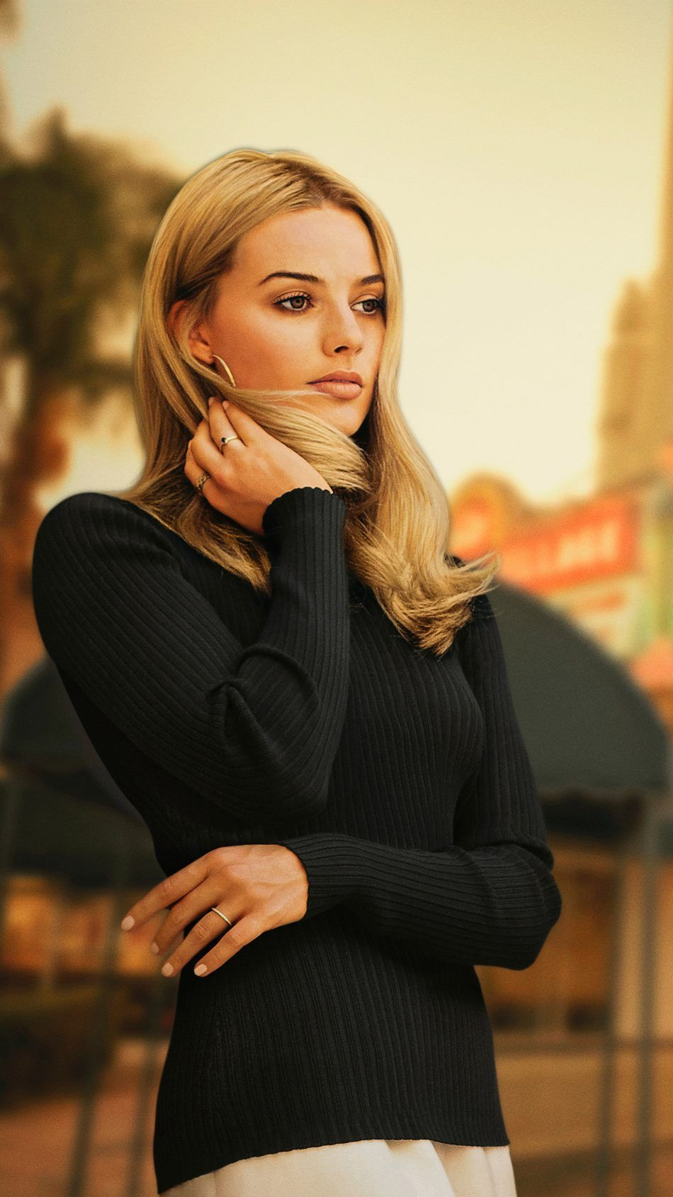 Margot Robbie Once Upon a Time in Hollywood 2019 Movie 950x1689