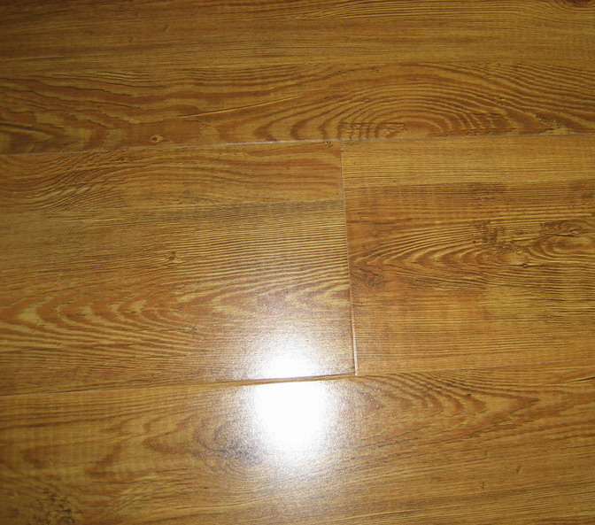 laminate flooring ends against a vertical surface and where quarter 672x593