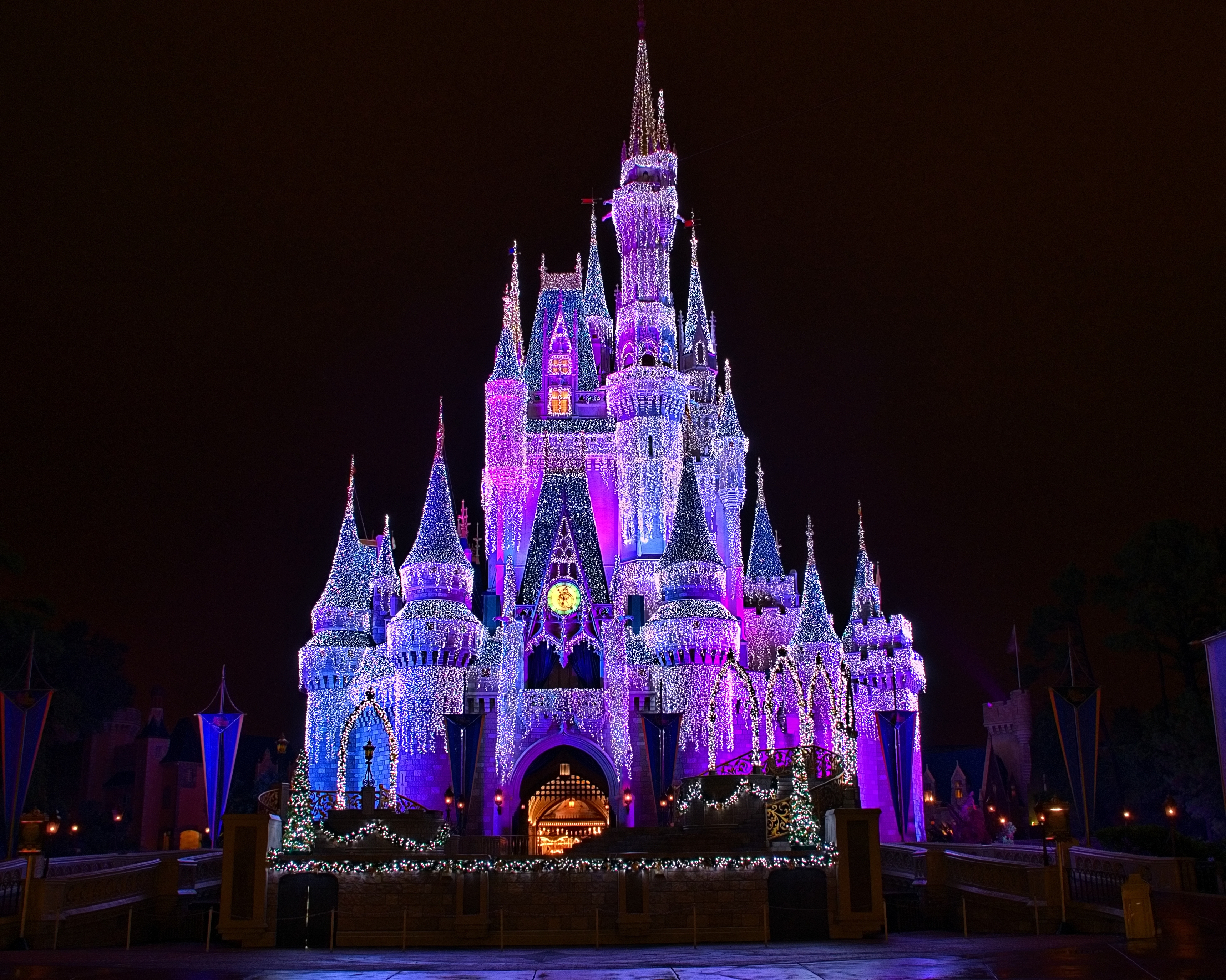 Disney Castle in Christmas Wallpapers Disney Castle in Christmas 3436x2749