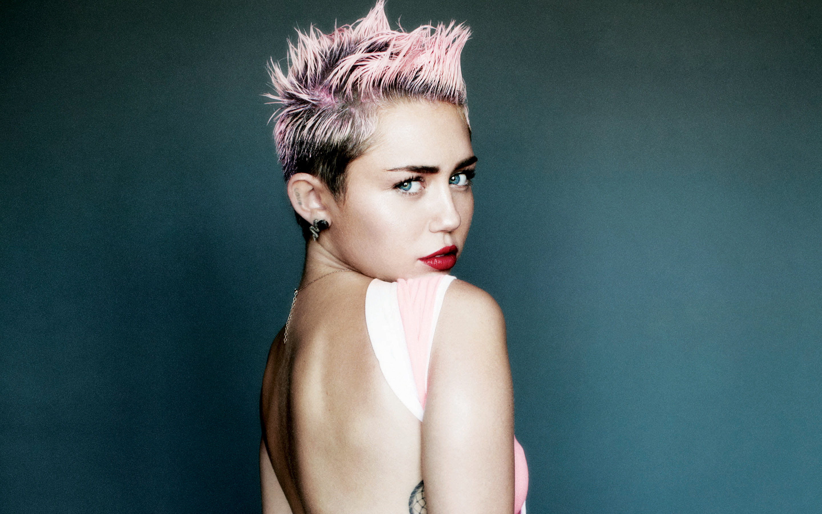 Miley Cyrus for V Magazine Wallpapers HD Wallpapers 2880x1800