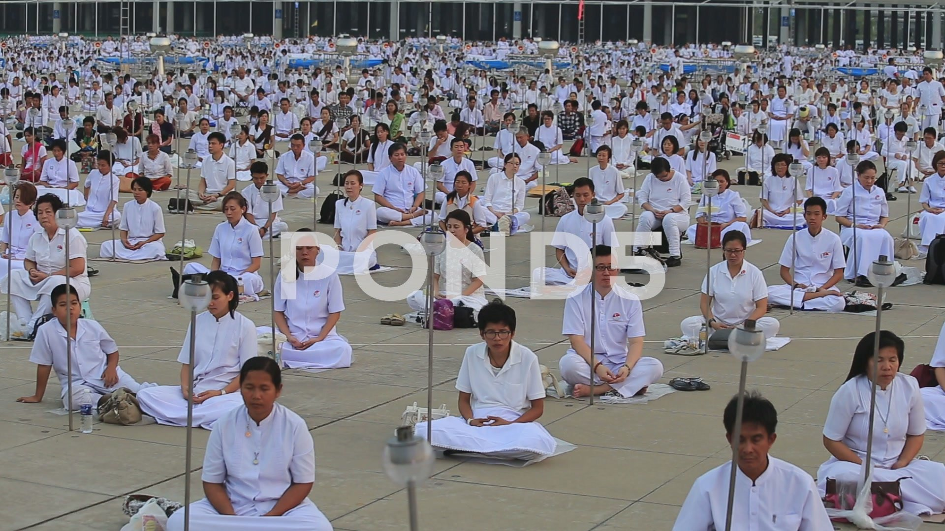 Buddhist ceremony Magha Puja Day in Wat Phra Dhammakaya Bangkok 1920x1080