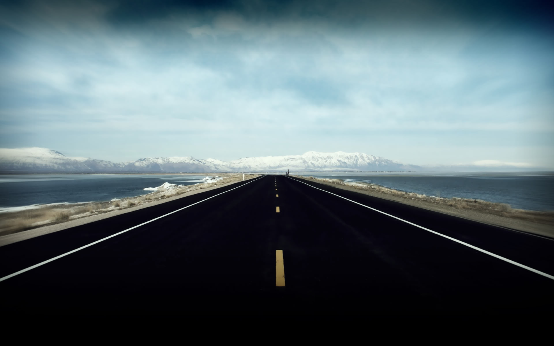 Description download Open Highway wallpaper desktop background 1920x1200