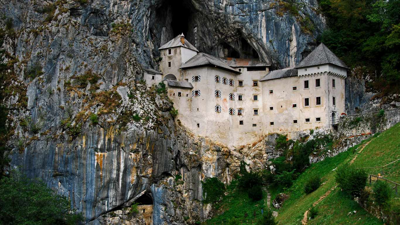 Predjama Castle Slovenia Silanes Travel PhotographyGetty Images 1366x768