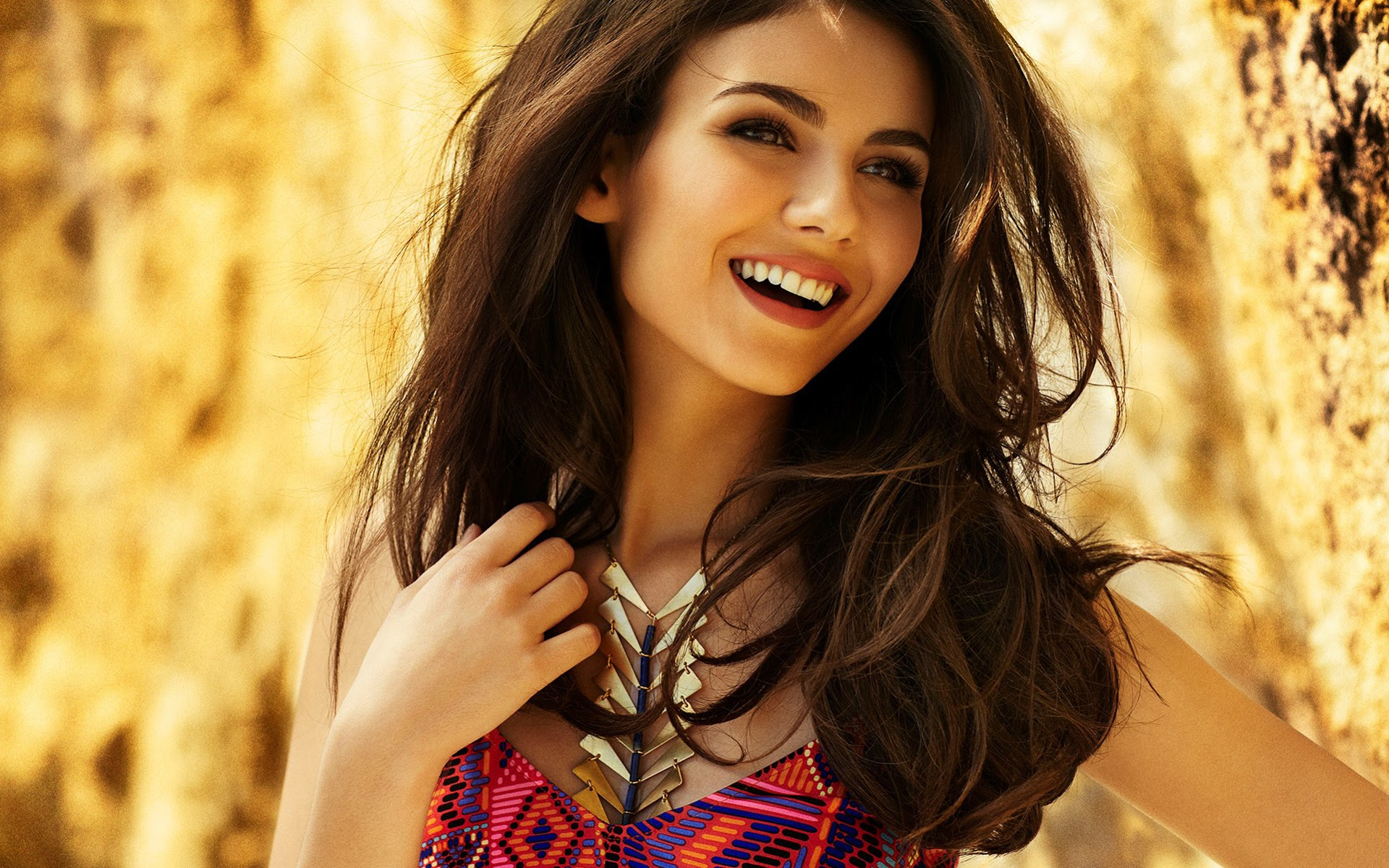 Cute Wallpapers Victoria Justice Smile 15412 Wallpaper Wallpaper hd 1920x1200