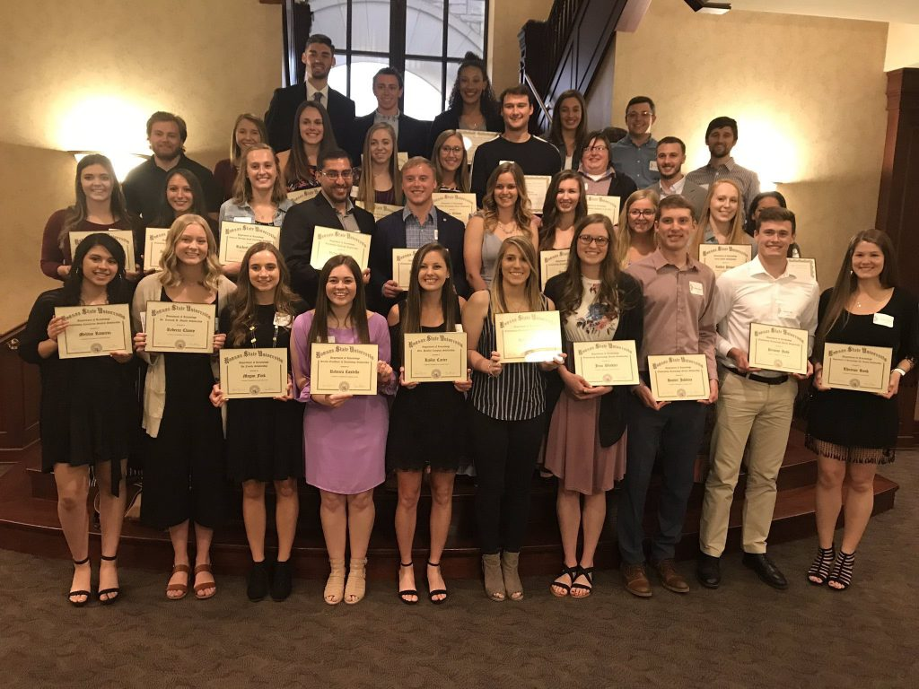 Kinesiology Department awards scholarships at annual banquet 1024x768
