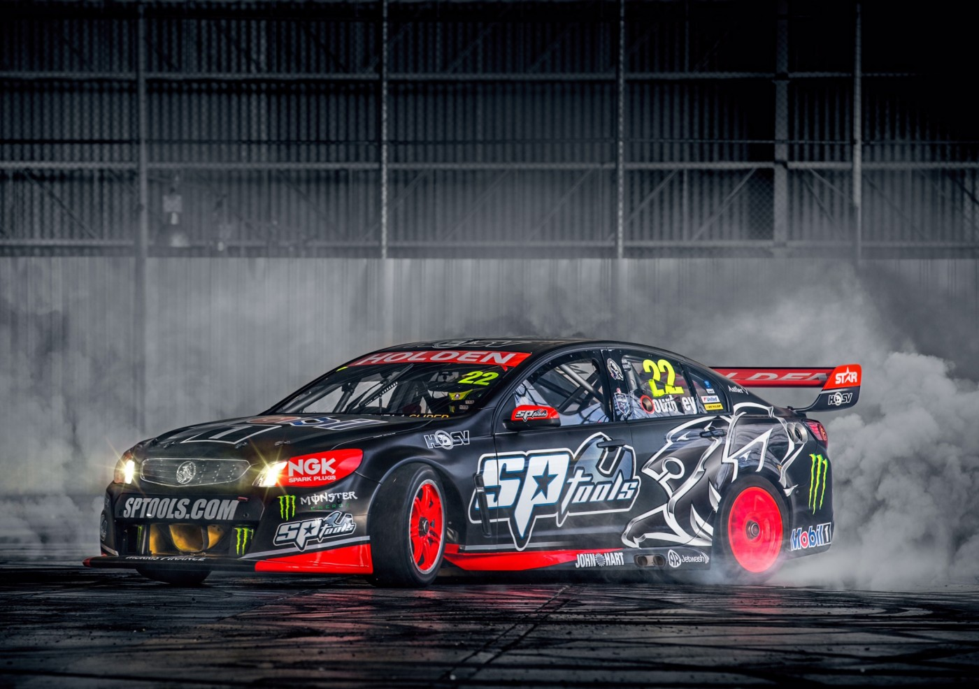 Monster Energy partners with HRT for 2015 V8 Supercars 1400x986
