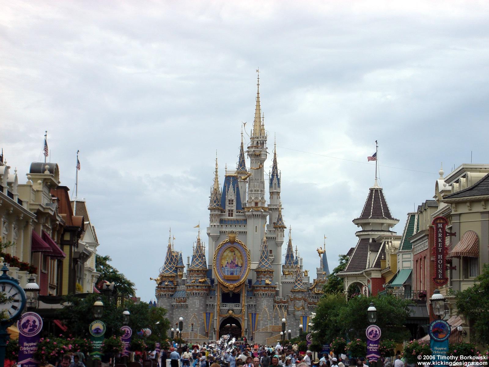 Disney World Magic Kingdom   Desktop Wallpaper   1600 x 1200   Kicking 1600x1200