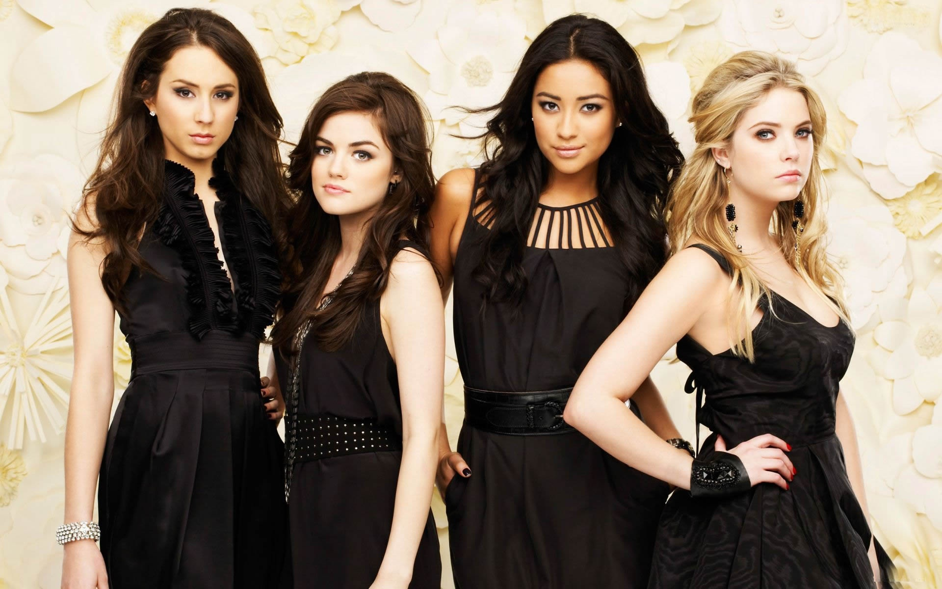 Pretty Little Liars   Wallpapers Pictures Pics Photos Images 1920x1200