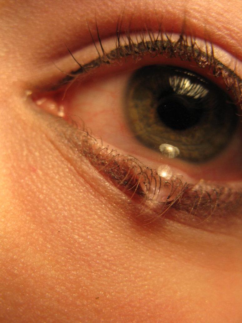 вообще, красивые фото глаз со слезой два дня окончания