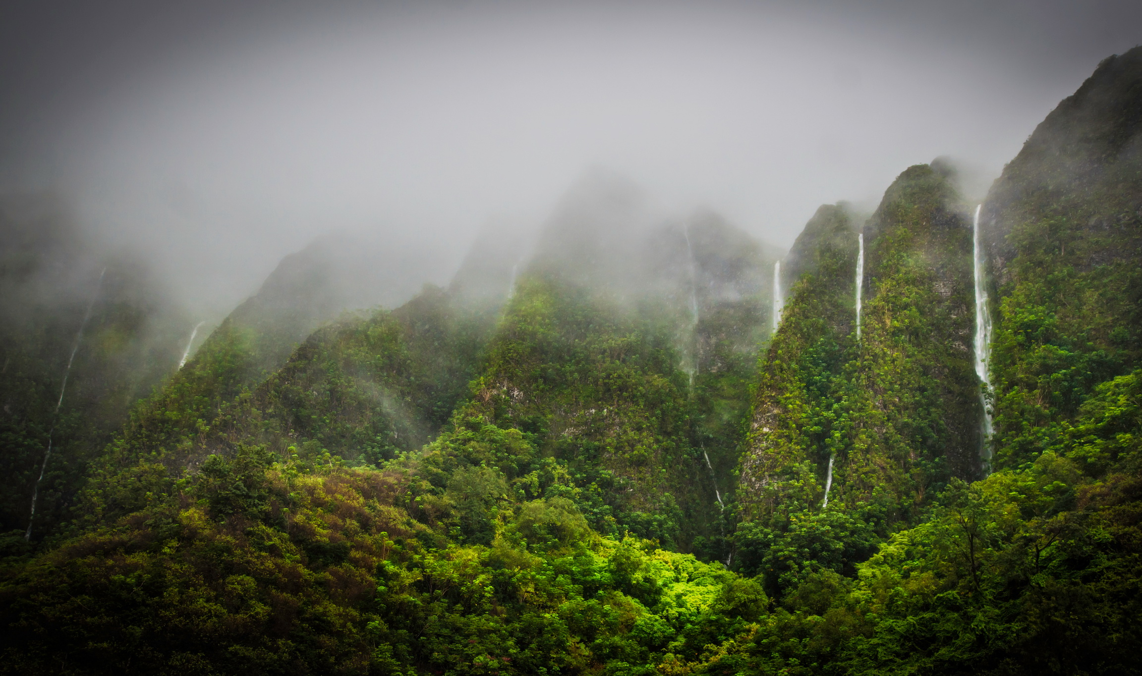 Highlands Oahu Hawaii wallpaper 2304x1365 46401 WallpaperUP 2304x1365